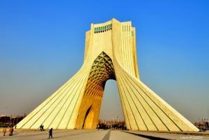 Azadi Tower, conocida también como Torre de la Libertad durante la Revolución de 1979.
