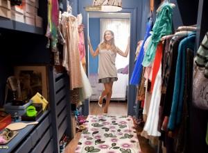 Montañas de ropa y zapatos, mi armario no tiene nada que envidiar al de Carrie Bradshaw.