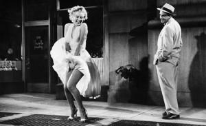 """Marilyn Monroe en la famosa escena de """"La tentación vive arriba"""""""