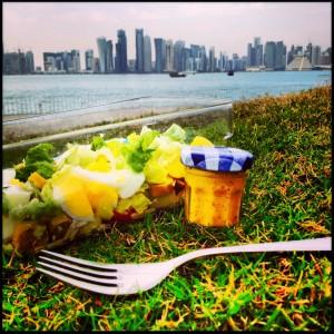 De pic-nic con una ensalada mediterránea en MIA Park