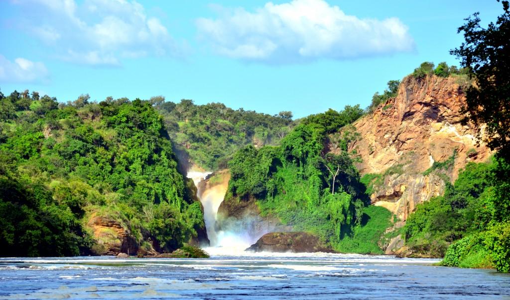 Cataratas Murchinson vistas desde el río Nilo