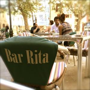 """Momento """"llonguet"""" en Bar Rita, Palma de Mallorca."""
