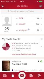App móvil Vivino: en una sola pantalla puedo ver mis vinos seleccionados, los puntuados, mi selección particular, mi perfil, etc