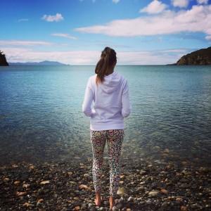 Momento de reflexión en una playa de Coromandel Peninsula (NZ)
