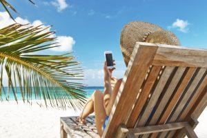A estas chaise-longe encuentro que les falta un cargador incorporado para mi iPhone