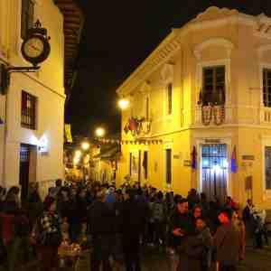 Noche quiteña en la calle Ronda (imagen propia)