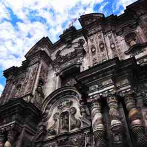 Una de las múltiples iglesias en el barrio histórico de Quito (imagen propia)