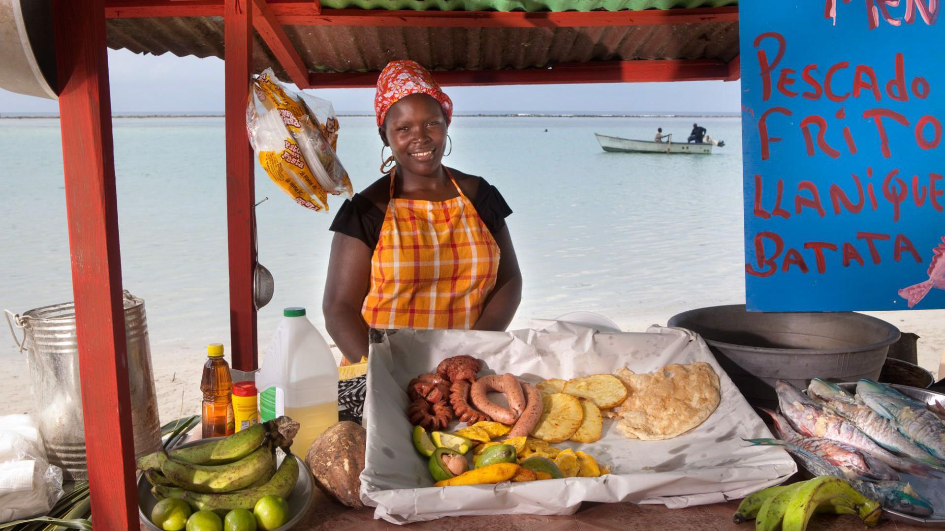 Puesto de comida en Boca Chica
