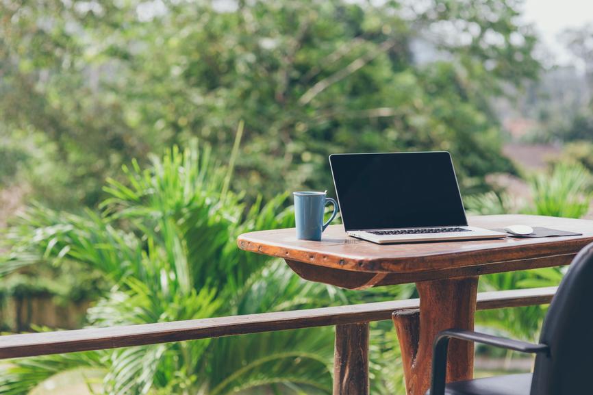 Mi hogar sólo exige una taza de café y un lugar donde poder escribir